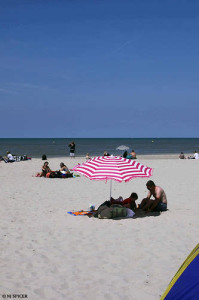 Beach at Le Touquet, Pas-de-Calais CC Flickr neiljs