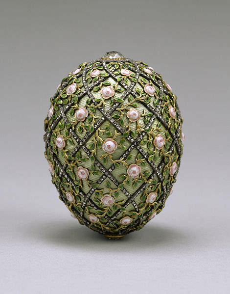 Rose Trellis Egg Walters Art Museum [Public domain, CC-BY-SA-3.0 (http://creativecommons.org/licenses/by-sa/3.0) or GFDL (http://www.gnu.org/copyleft/fdl.html)], via Wikimedia Commons