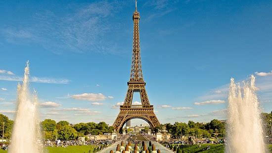 Beautiful photo of Eiffel Tower, Paris