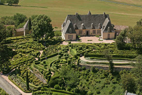 the magnificent hanging gardens of marqueyssac the good life france. Black Bedroom Furniture Sets. Home Design Ideas