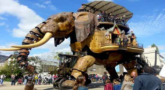 giant mechanical elephant nantes les machines de l le the good life france. Black Bedroom Furniture Sets. Home Design Ideas