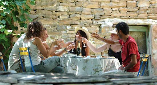 aperitif in France