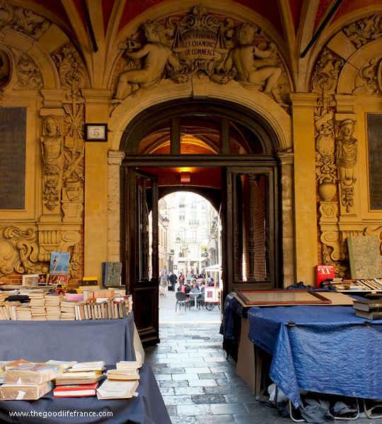 lille book market vielle bourse