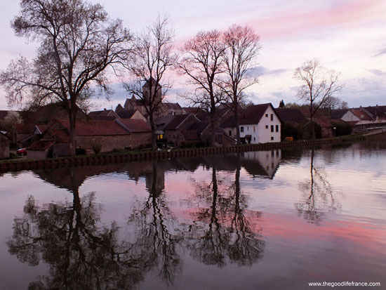 burgundy sunset on the canal