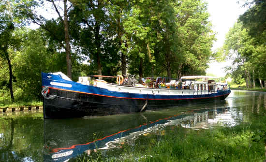 barge on burgundy canal