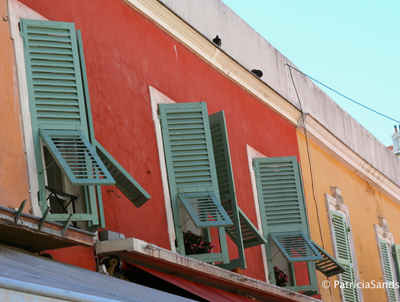 colourful shutters and houses in Nice