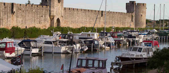 A cruise on the Canal du Rhone to Sete
