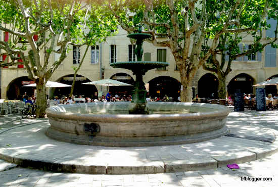 uzes fountain
