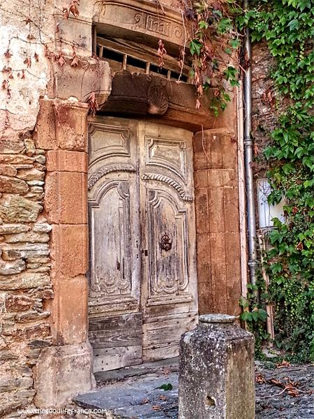 conques-ancient-village-door