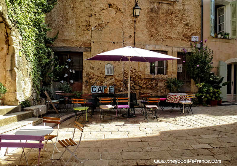 10 Photos that will make you want to visit Cotignac Provence : The ...