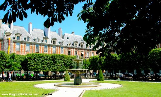 Place-des-Vosges-square