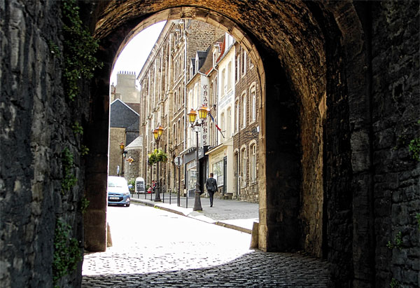 boulogne-sur-mer-gate-to-old-town