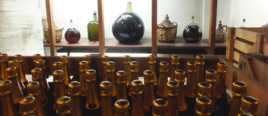 Guide to Champagne Bottle Sizes and Names : The Good Life France