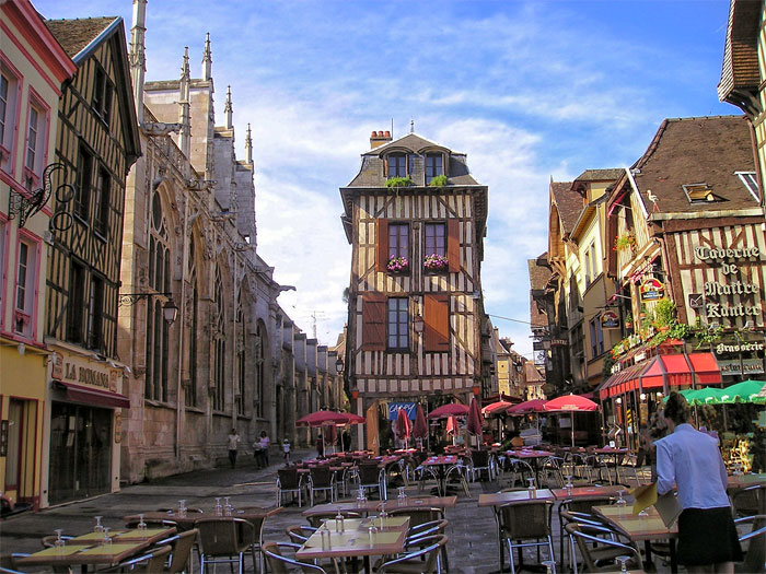 troyes-most-romantic-places-in-france
