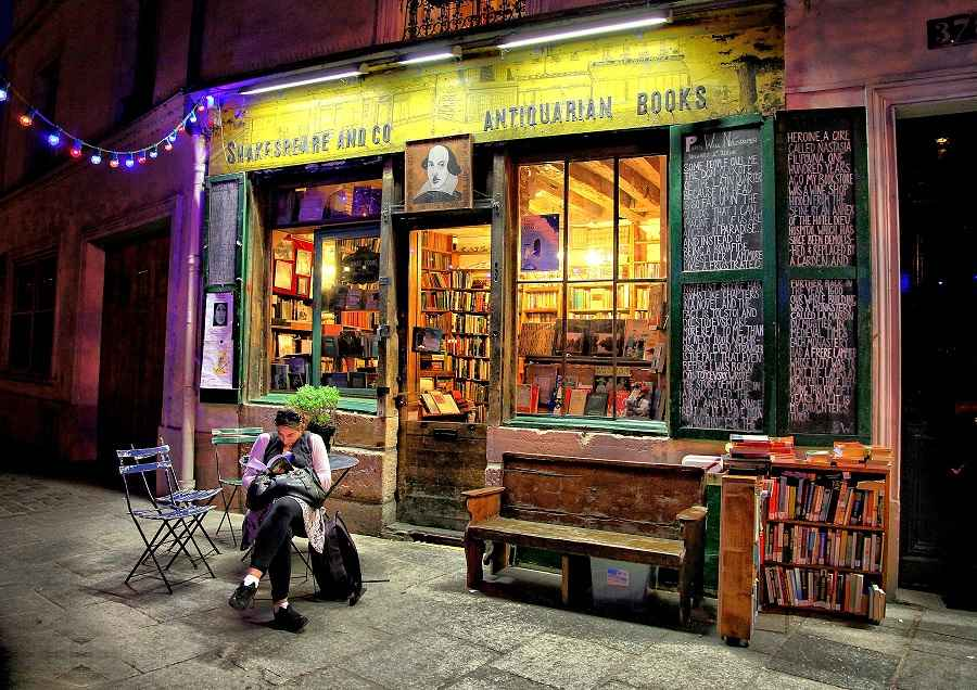 Shakespeare_&_Co_Book store