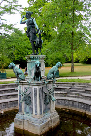 diana-fountain-at-fontainebleau