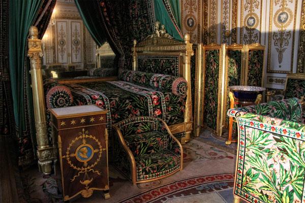 fontainbleau-chateau-napoleon's-bed