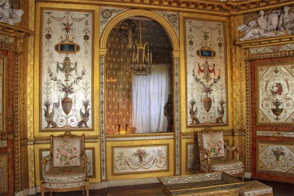 Gilded and painted walls of Marie Antoinette's boudoir at the Chateau de Fontainebleau