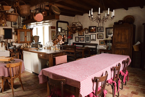 french-farm-house-kitchen-style-2