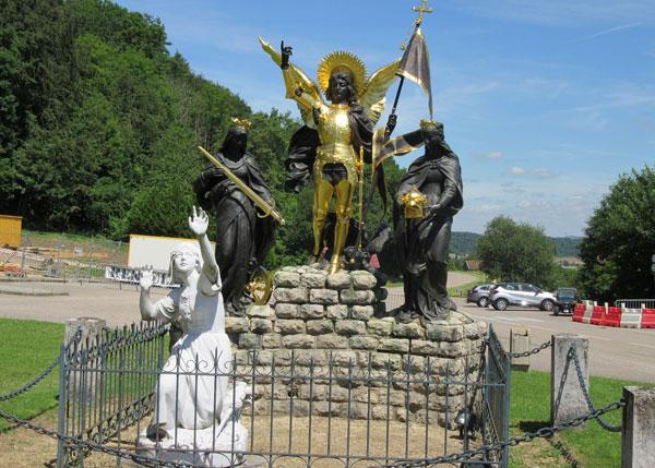 joan-of-arc-statue-domremy