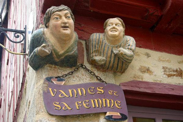 Vannes-et-sa-Femme-vannes-brittany