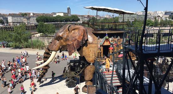 giant-elephant-nantes