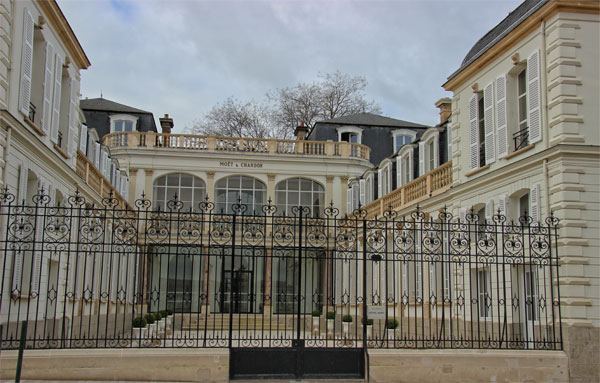 moet-et-chandon-avenue-de-champagne-epernay