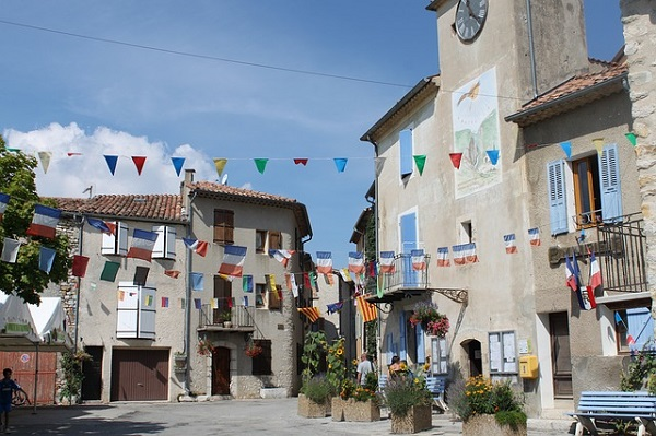 How to Get a Carte de Resident in France : The Good Life France