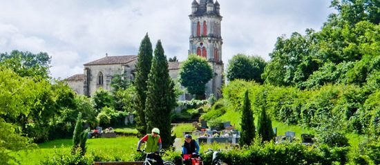 Wine, Rivers and Chateaux of Bordeaux by Boat and Bike