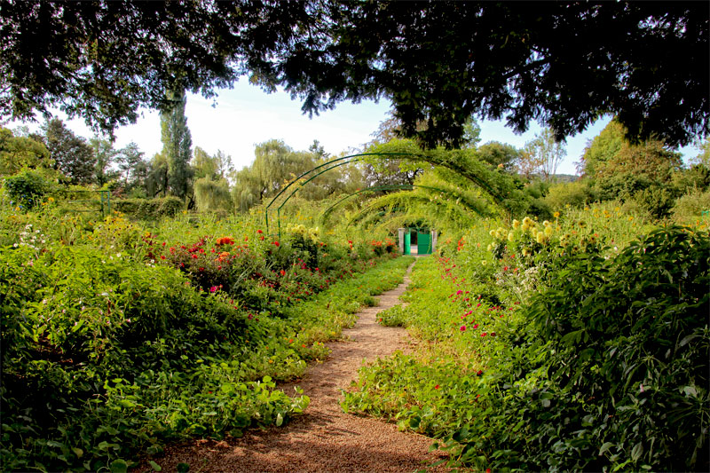 Claude monet 39 s garden giverny normandy the good life france for Monet s garden france