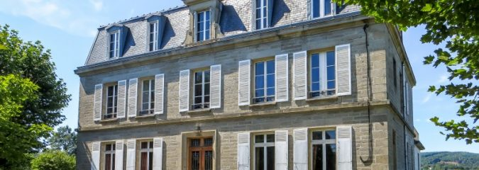 5 Top tips for Chateau hunters in France
