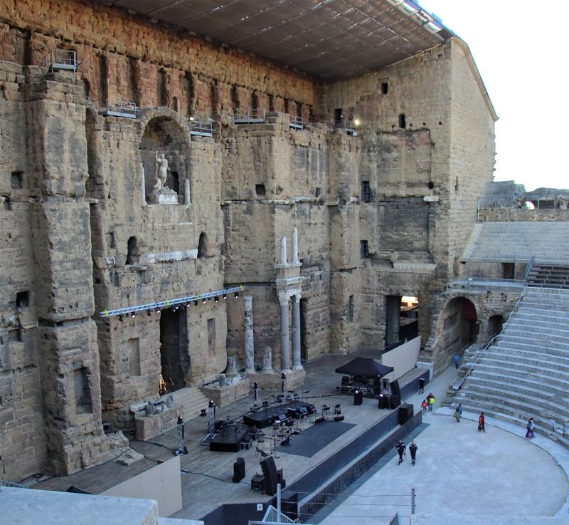 Le haut mur du théâtre romain d'Orange