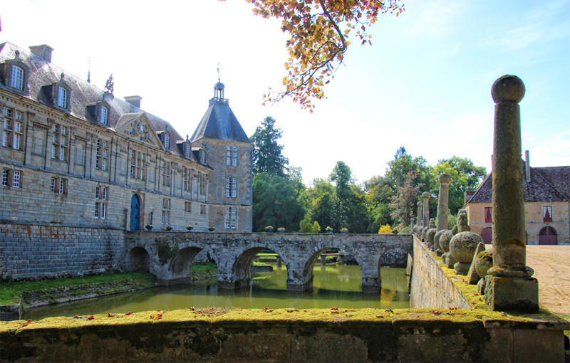 Enormous chateau surrounded by a walled moat, Sully, Saone et Loire, Burgundy