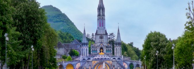 Take a guided tour of Lourdes