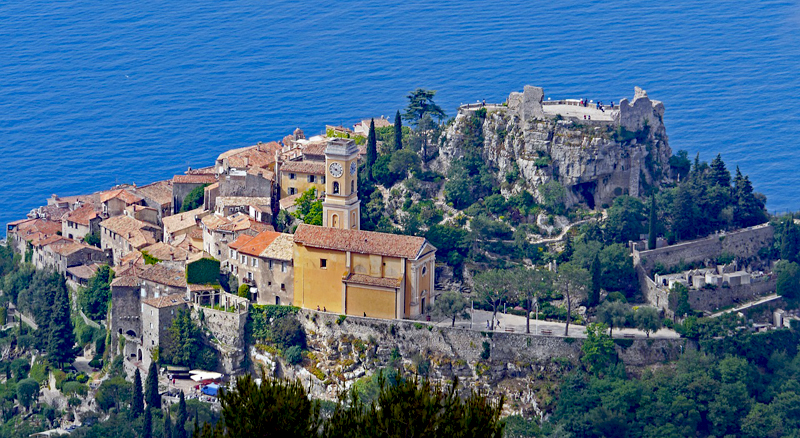 A hill top town overlooking the blue waters of the Mediterranean