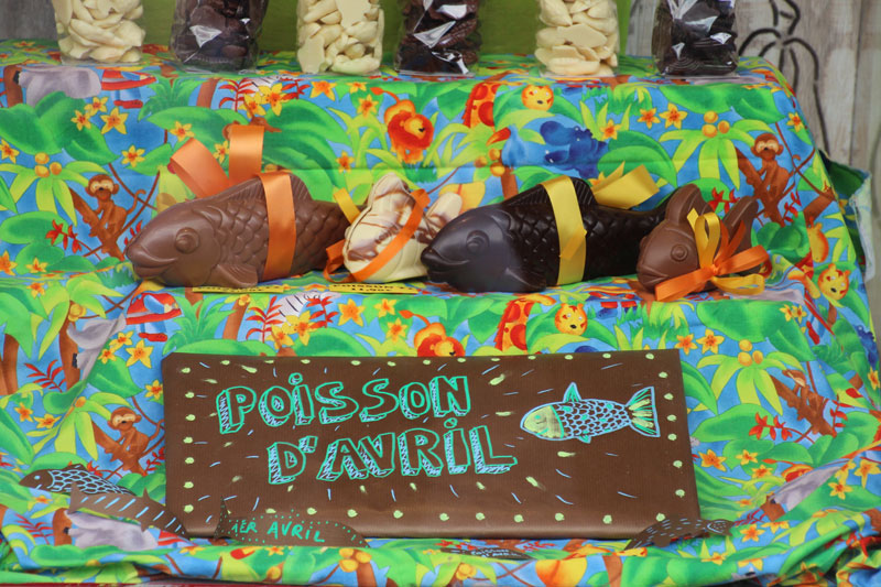 chocolate fish and chocolate bar reads poisson d'avril for April Fools Day in France