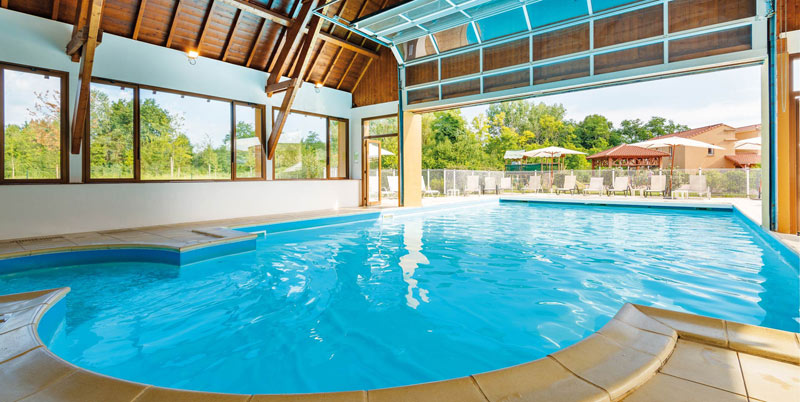 Half covered swimming pool looks very inviting!