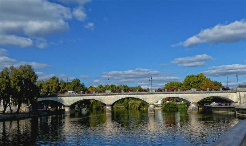Bridge over a river in Cognac