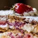 Easy recipe for Millefeuille with strawberries
