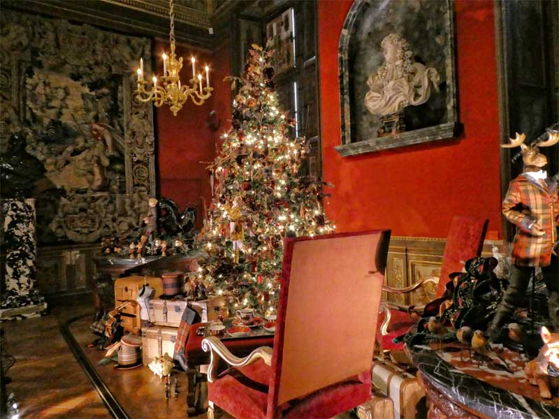 Room in the Chateau de Vaux le Vicomte, decorated for Christmas