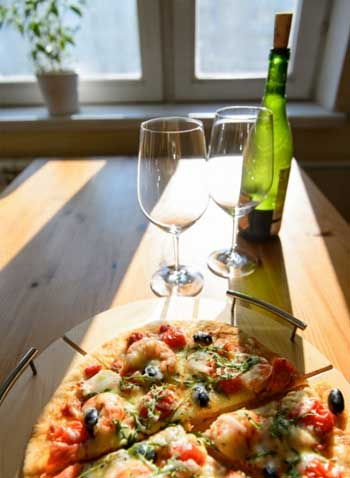 Pizza and wine at home